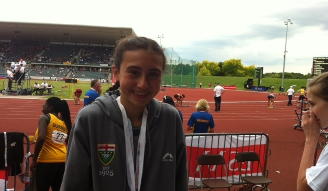 Beth Barlow becomes English Schools under 15 Girls 1500mchampion